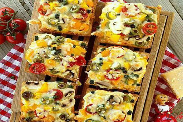 طرز تهیه پیتزا با نان تست